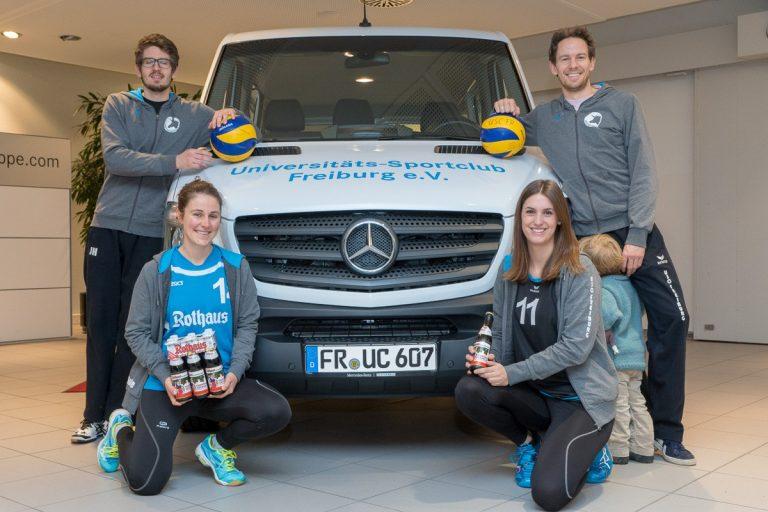 Volleyball-Teams mit dem neuen Sprinter zum Schmetterball